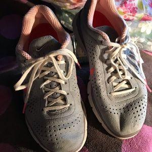 Reposhed Nike Sneakers
